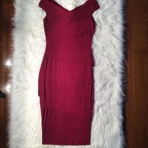 Bailey 44 tiered dress in maroon medium fitted